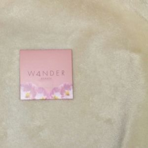 Wanderess eyeshadow in Bouquet